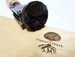 Brennstempel-Holz-Baum